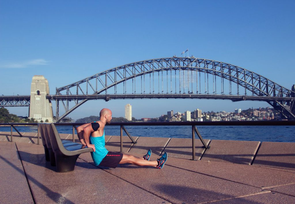 Dips am Hafen von Sydney - The Travel Athlete